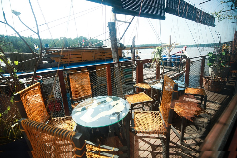 Happy 8 Cafe Kuala Sepetang
