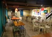 I AM 80s Cafe