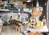 Pony de Tale Cafe