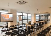 Cloud 16 Meeting Room