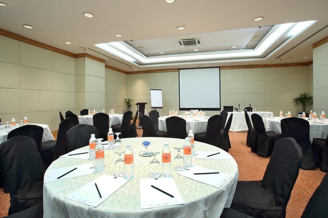 Corus-meeting-room-1