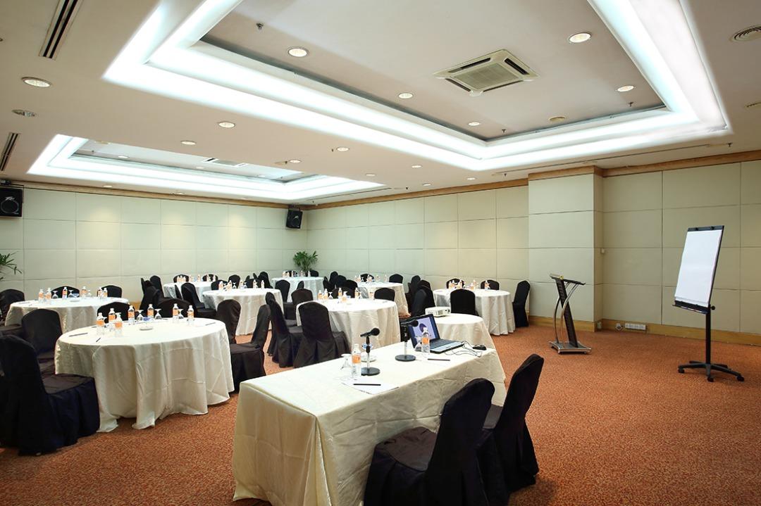 Corus-meeting-room-2